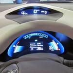Панель Nissan Leaf